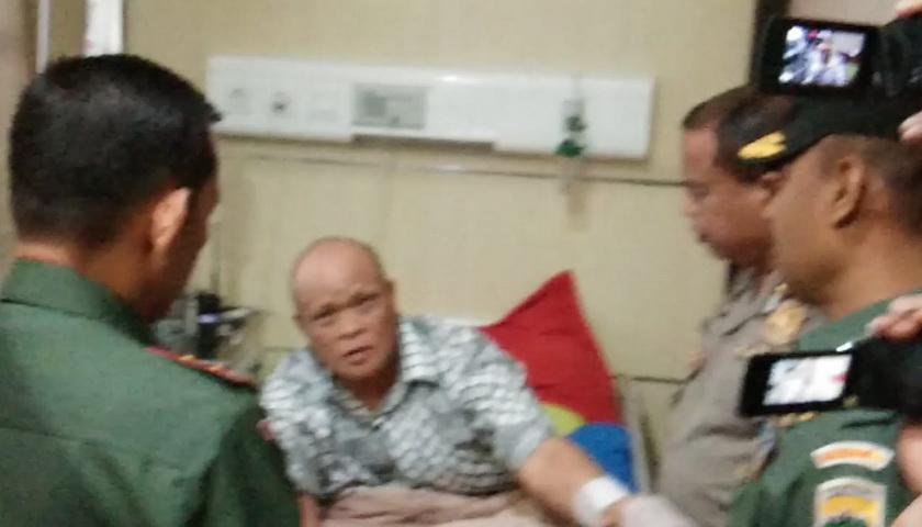 Pangdam I/BB Jenguk 6 Korban Bom Bunuh Diri di Mapolrestabes Medan