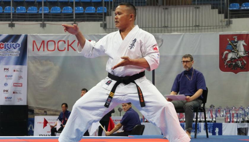 Parulian Simanjuntak, Karateka Kelahiran Tarutung Kibarkan Merah Putih di Moskow