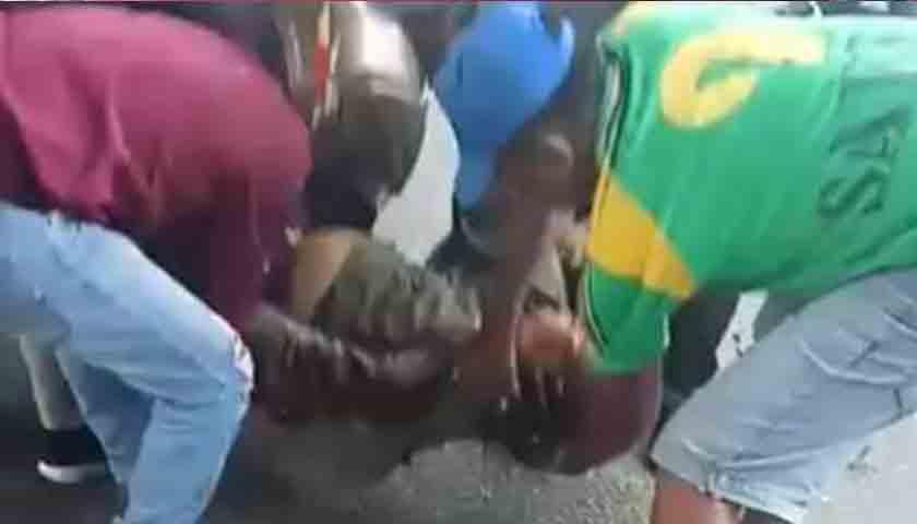 Tewas Ditabrak KUPJ, Kondisi Pria Ini Terkapar Bersimbah Darah