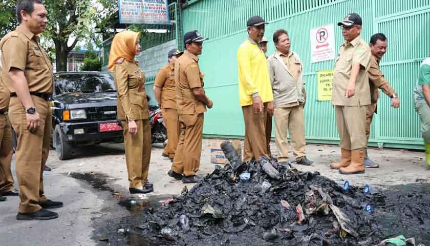 Akhyar Cek Normalisasi Drainase di Kecamatan Medan Tembung