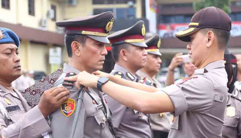 6 Kapolsek Serah Terima Jabatan, Nih Pesan Kapolrestabes Medan!