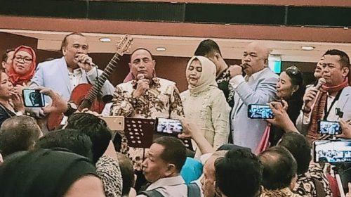 Nyanyikan Lagu O Tano Batak, Edy Rahmayadi Ajak Masyarakat di Jakarta Berikan Kontribusi Pembangunan di Sumut