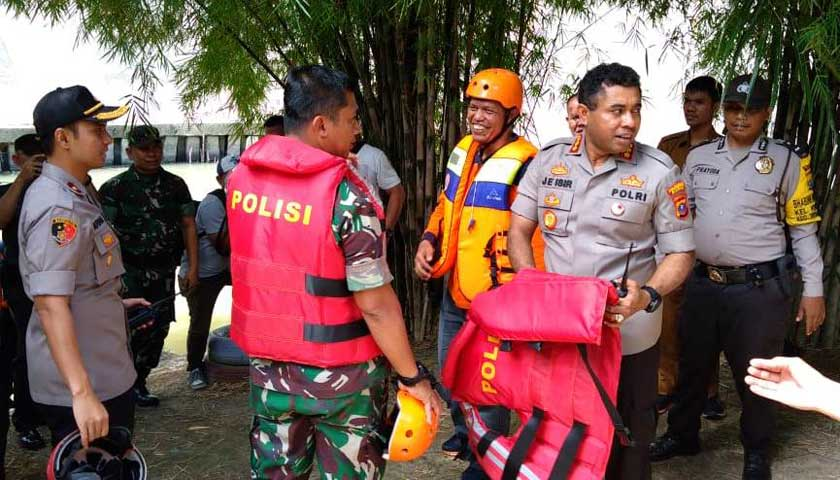 Antisipasi Banjir, Kapolrestabes Medan, Dandim dan Kepala BNPB Medan Telusuri Sungai Deli