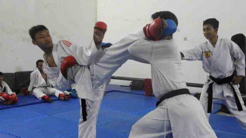 Letkol Arm Ronald, F. Siwabessy: Karate Cetak Karakter Usia Dini