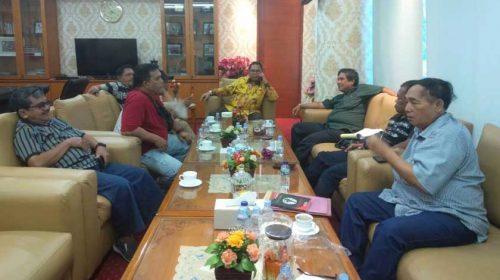Forum Masyarakat Peduli Lapangan Olah Raga Medan Baru Mengadu ke Ketua DPRDSU