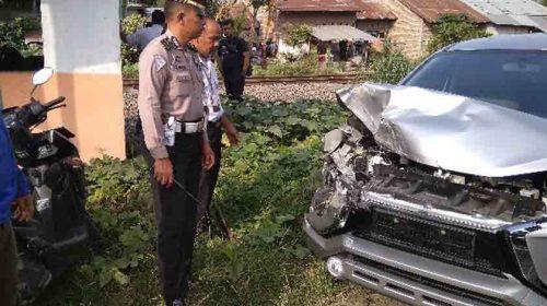 Mobil Ditabrak KA, Pegawai Bandara Kualanamu Selamat
