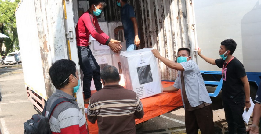 KPU Kota Medan mendistribusikan