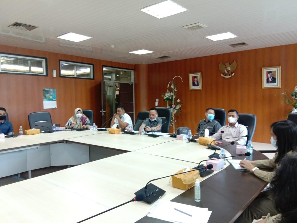 Tuntut Kejelasan Status, Karyawan Laporkan Manajemen PT. Laut United Gabion Belawan ke DPRD Medan