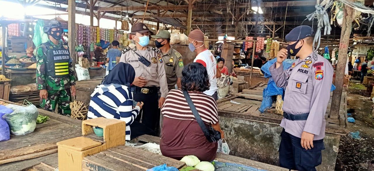 PPKM Mikro, Brimob dan TNI Sasar Prokes di Pasar Medan Johor