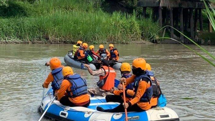 hilang ditelan Sungai Ular