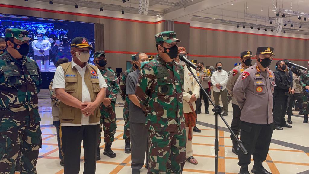 Panglima TNI Tinjau Serbuan Vaksinasi di Kota Bandung