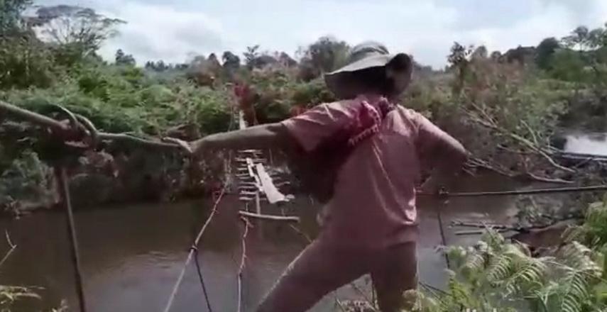 video viral jembatan gantung yang rusak