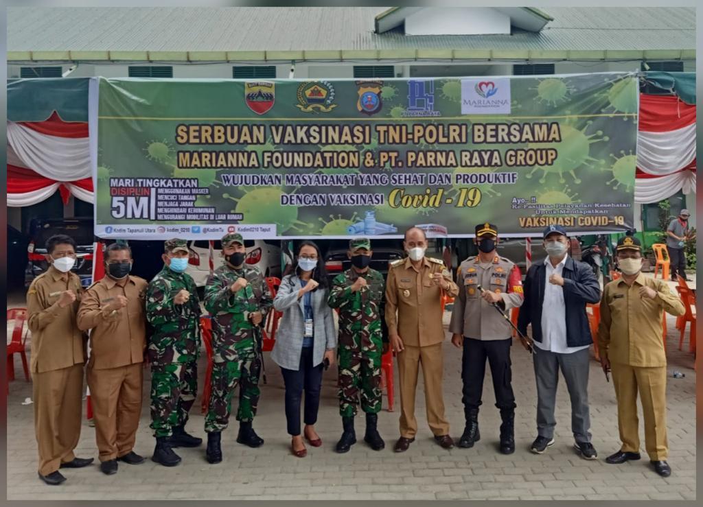Kodam I/BB dan Poldasu Gelar Serbuan Vaksinasi TNI-Polri di Samosir