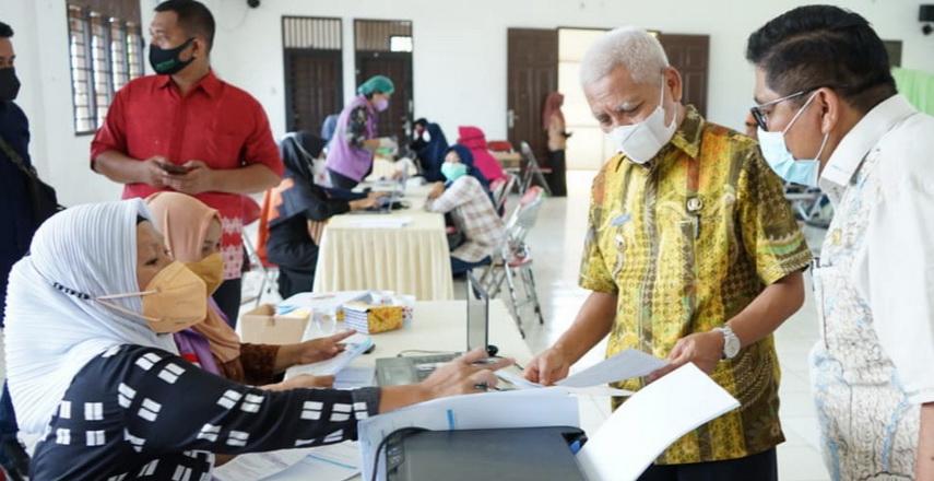Bupati/Wakil Bupati Asahan Tinjau Vaksinasi Covid-19 Dinas Pendidikan
