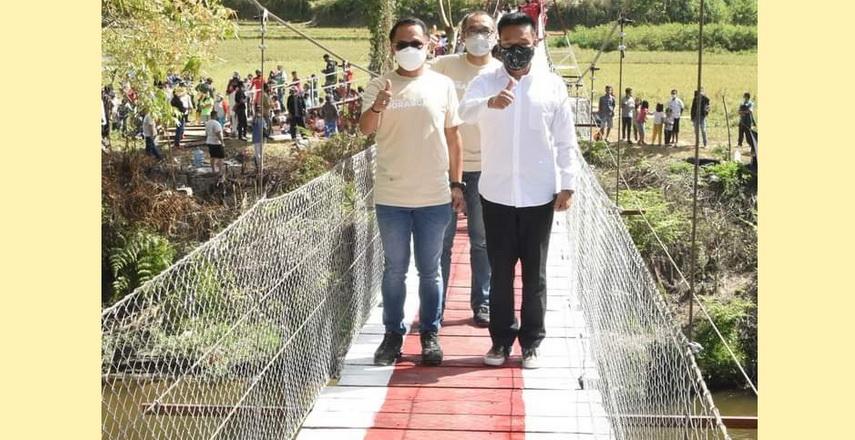 Pemkab Humbahas Hadiri Peresmian Jembatan Harapan Aek Silang di Sipituhuta