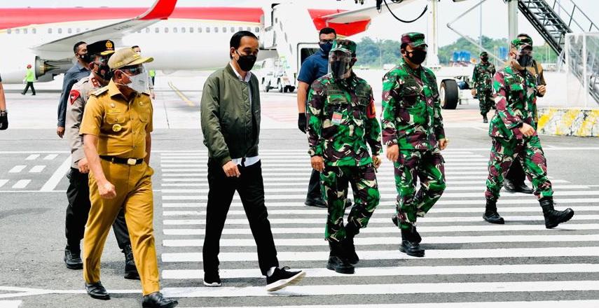 Gubernur Sumut Edy Rahmayadi dan Forum Koordinasi Pimpinan Daerah (Forkopimda) Sumut menyambut Presiden RI t