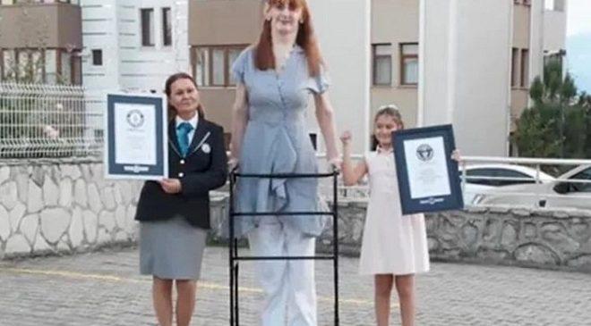 Ini Wanita Tertinggi di Dunia, Tinggi Lebih dari 2 Meter