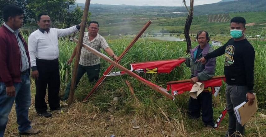 Polres Karo Olah TKP Kasus Perusakan Pagar Masyarakat Petani di Puncak 2000 Siosar