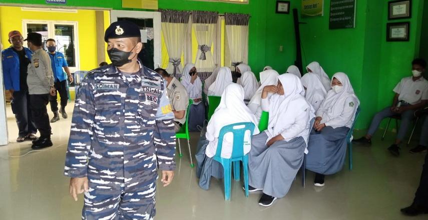 Sosialisasi pentingnya vaksinasi bagi tubuh manusia yang dilakukan oleh tim satuan tugas penanggulangan Covid-19 Aceh Singkil di sekolah sekolah mulai diterima.